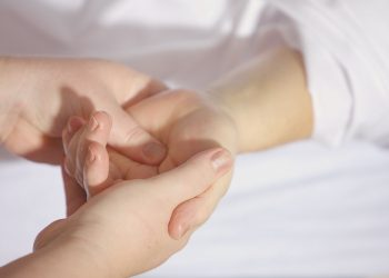 Discussing the Connection Between Massage Therapy and Pain Relief