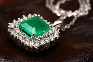 Keep Your Silver and Gold Jewelry's Shine – Easy Tips to Follow