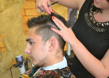 How To Pick A Salon – A Couple Of Crucial Things To Consider